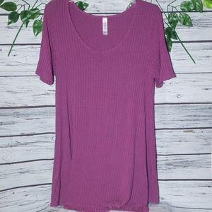 LulaRoe short sleeve simply comfortable tee shirt